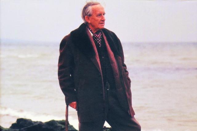 J.R.R. Tolkien 4
