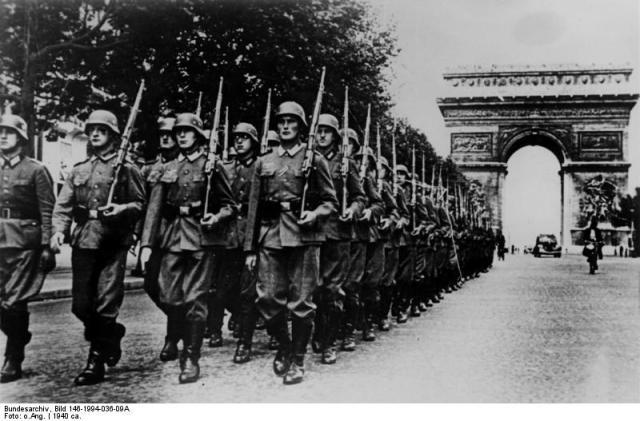 Paris, Parade auf der Champs Elysée